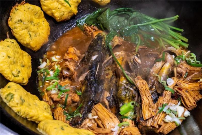 李记铁锅炖鱼加盟