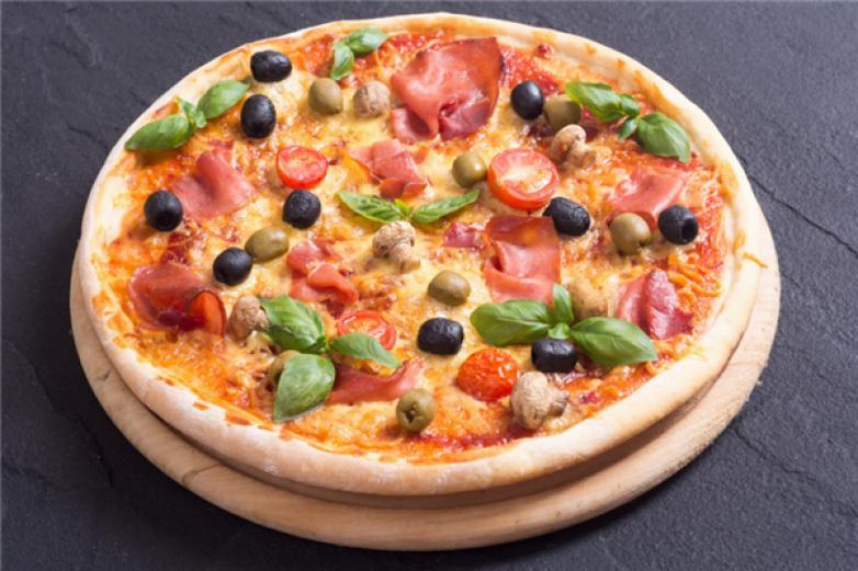 萨美溢披萨加盟