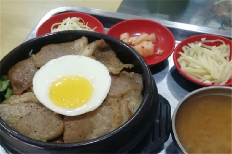 金家石鍋拌飯加盟