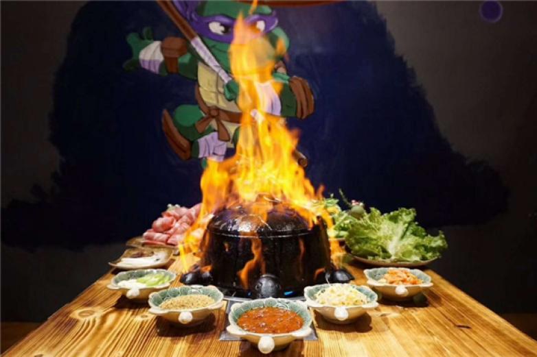 佳木斯龜鍋烤肉加盟