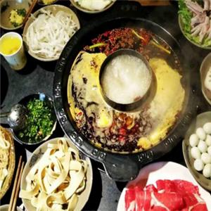 炫唇潮派串串香火鍋