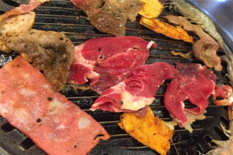 金樽自助烤肉加盟