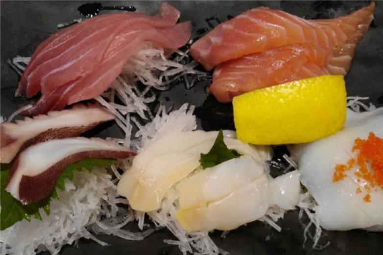 拉拉壽司加盟