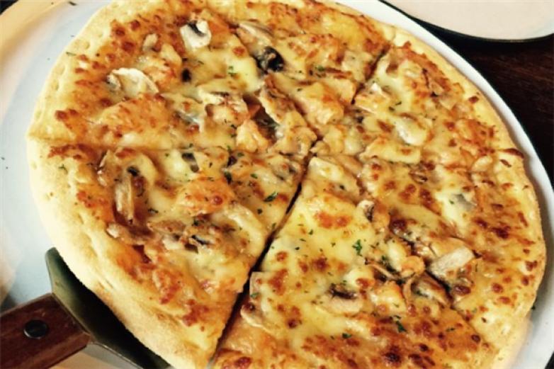 披萨扣加盟