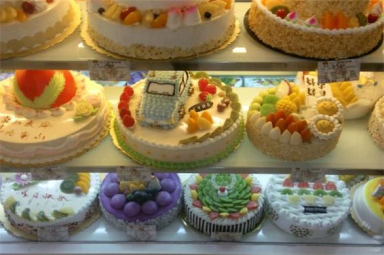 凱倫慕斯皇冠蛋糕加盟