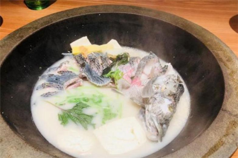 渔珺石锅鱼加盟