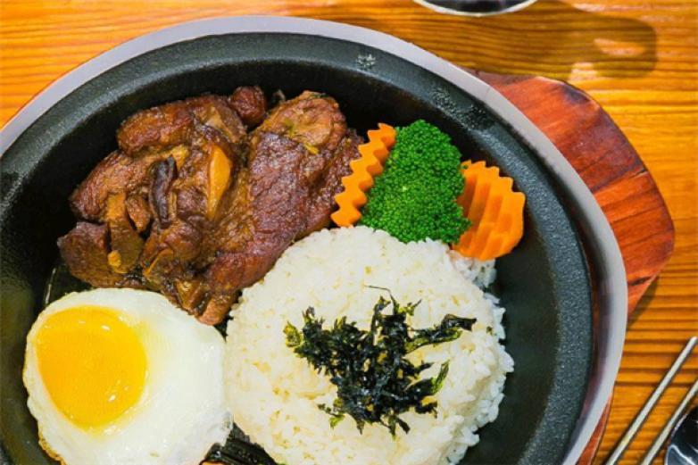 牛尚厨房石锅拌饭加盟