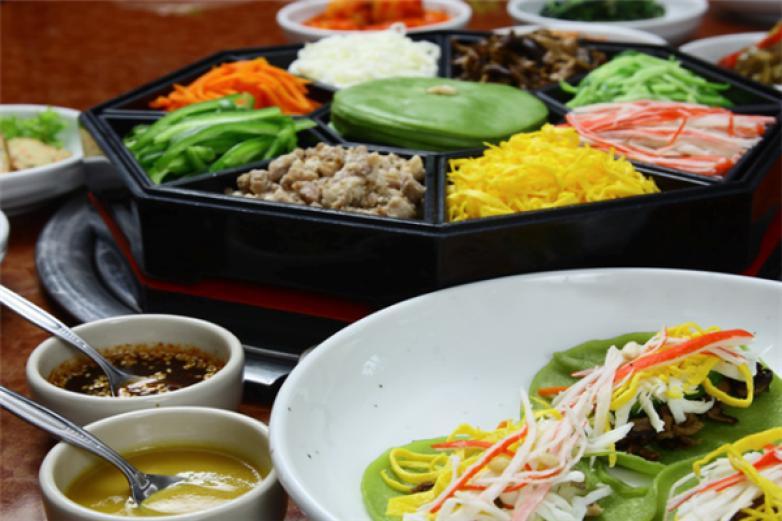 村校馆韩式美食加盟
