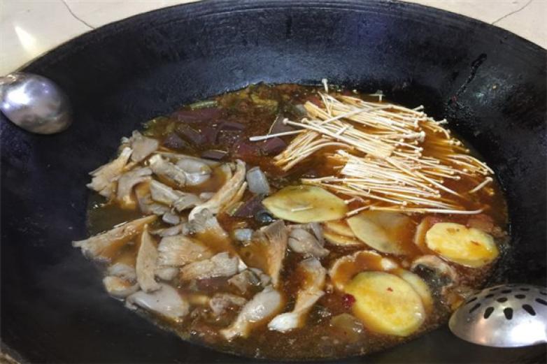 百口香铁锅炖加盟